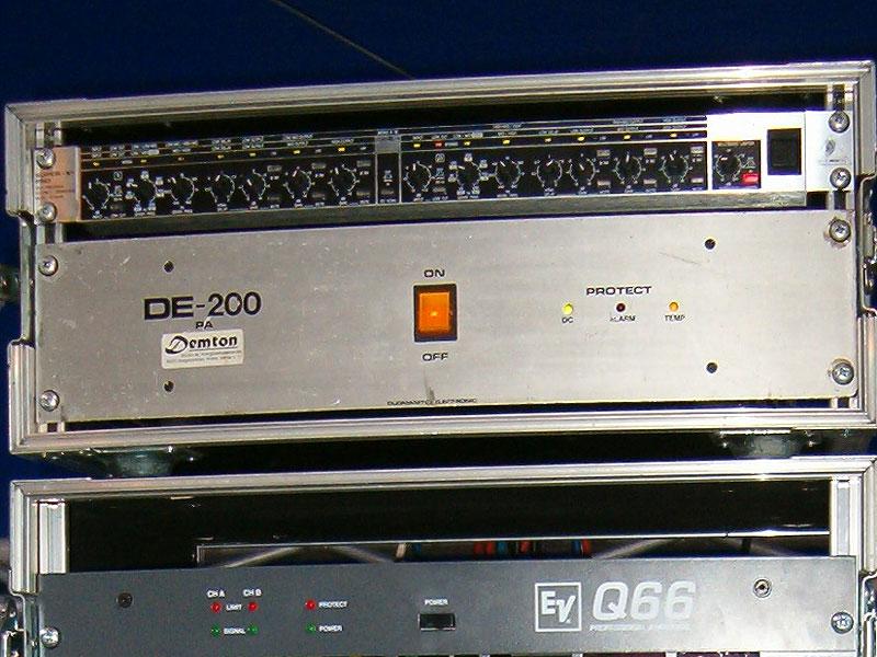 DE200.jpg